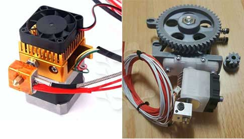 Soldaki MK8 Direct Extruder, Sağdaki Greg's Wade Reloaded Extruder. İkisinde de Hot End takılı.